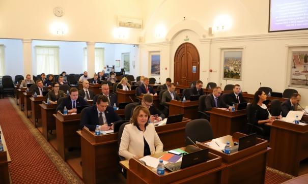 Бюджет Владивостока получит 1,65 миллиарда рублей на дороги, транспорт и детские сады