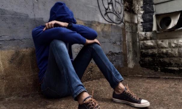 В Омске подросток брызнул полицейскому в лицо уксусной кислотой