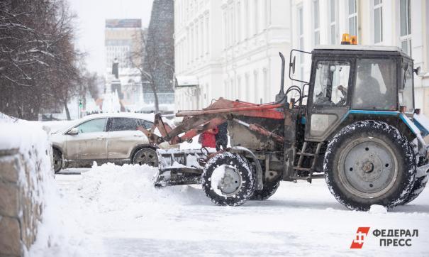 За ночь из Екатеринбурга вывезли почти тысячу тонн снега