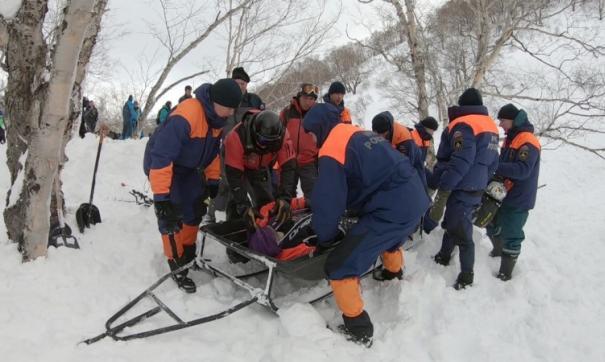 Двое мужчин погибли на Камчатке под лавиной