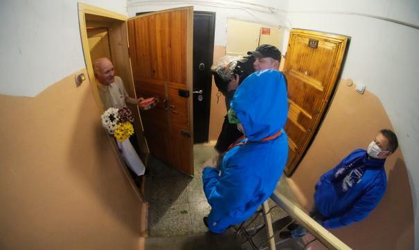 В Свердловской области профсоюзные активисты поздравили ветеранов