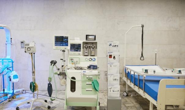 Врачи выявили коронавирус в восьми больницах Среднего Урала