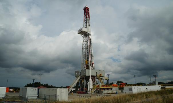 Участники ОПЕК+ согласились сократить добычу нефти