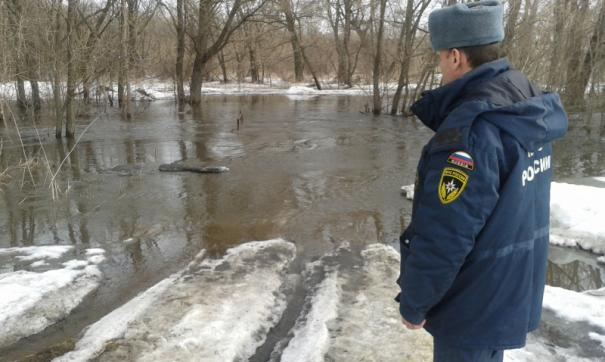 Разлившаяся река отрезала от региона поселок на востоке Томской области