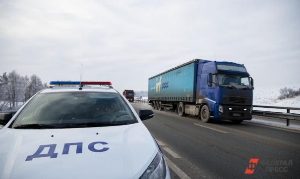 Под Новокузнецком в ДТП с самосвалом и вахтовкой пострадали пять человек
