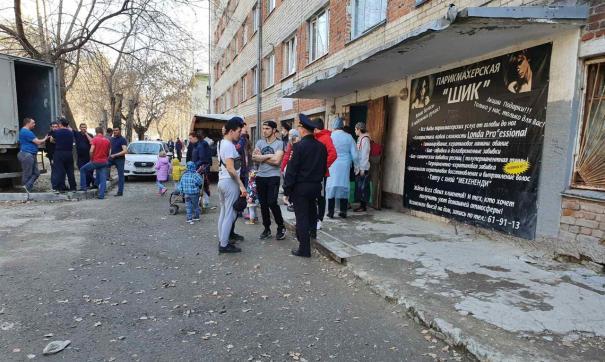 В гостинице проживают 38 человек, уведомления вручены 114 жильцам