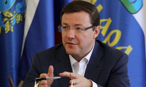 Дмитрий Азаров обещал поддержать и население, и бизнес
