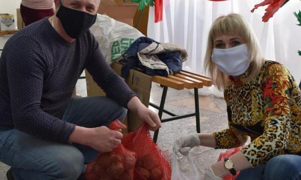 Жителям, обратившимся к депутату за помощью, оказывается помощь картофелем