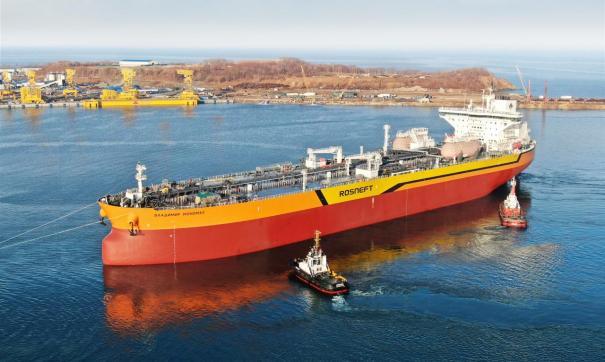 В России спустили на воду первый танкер «Афрамакс»