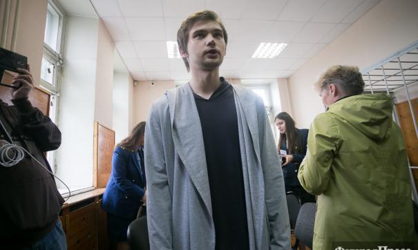 Блогер Руслан Соколовский в зале суда в 2017 году