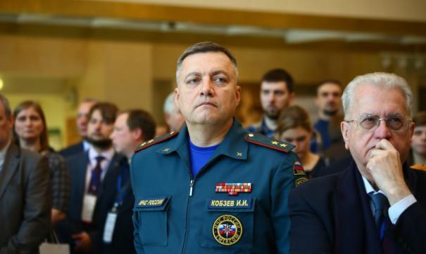 Игорь Кобзев лично возглавил оперштаб региона, активно участвует в борьбе с пандемией