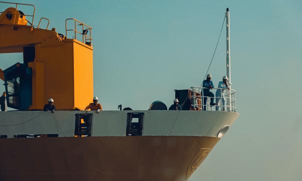 Команда грузового корабля