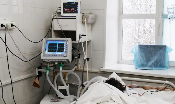 КРЭТ обязался поставить в больницу более двухсот аппаратов ИВЛ