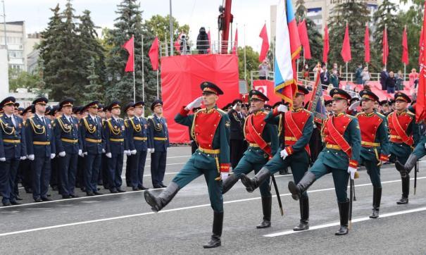 Торжественные действия развернулись на площади Куйбышева