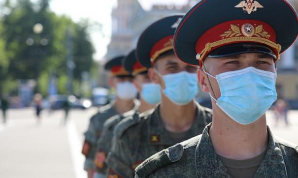 Тесты на коронавирус сдали более 400 военнослужащих