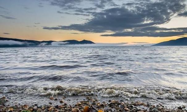 В бухте Нагаева в Магадане произошел разлив нефтепродуктов