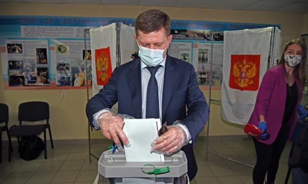 Глава Хабаровского края принял участие в голосовании по поправкам в Конституцию