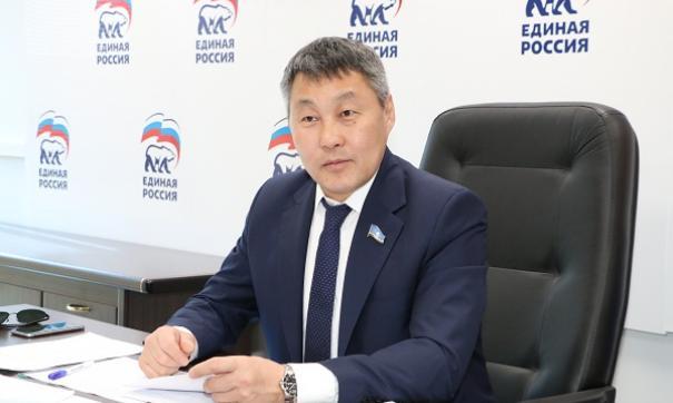 Якутские депутаты поделились мнением о поправках в Конституцию РФ