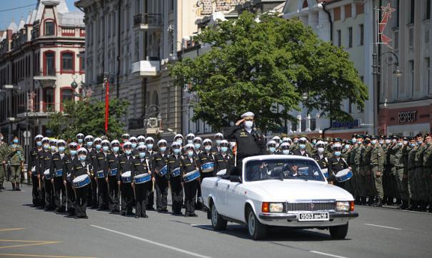 Сразу несколько регионов ДФО сегодня провели военные парады, посвященные юбилею Победы