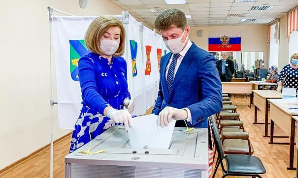 Сегодня в России началось голосование по поводу поправок в Конституцию