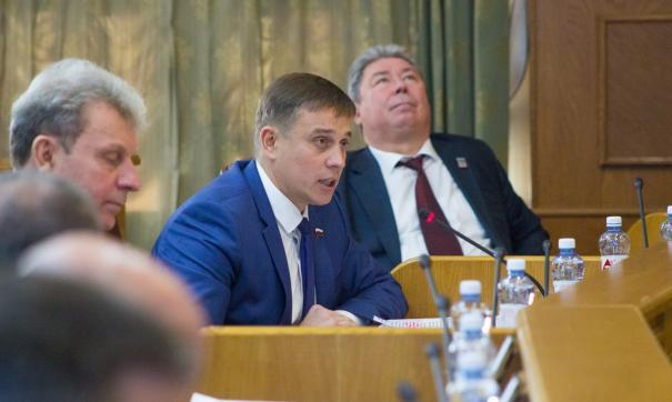 Виталий Пашин находится дома, отметила пресс-секретарь реготделения ЛДПР Екатерина Томилова