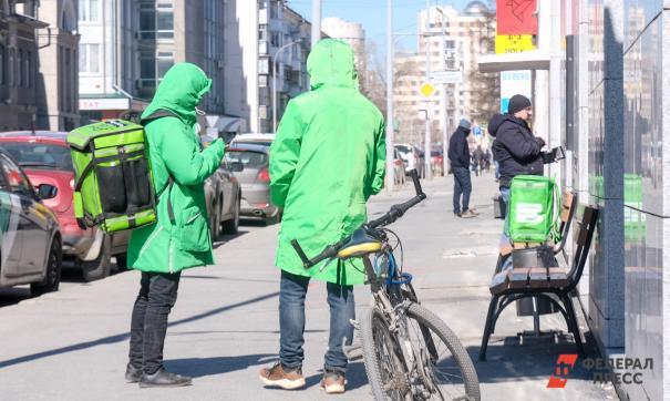Delivery Club проверит информацию о возможной забастовке курьеров