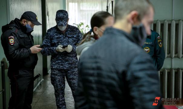 В Салехарде мужчину привлекли к ответственности за оскорбление стража порядка