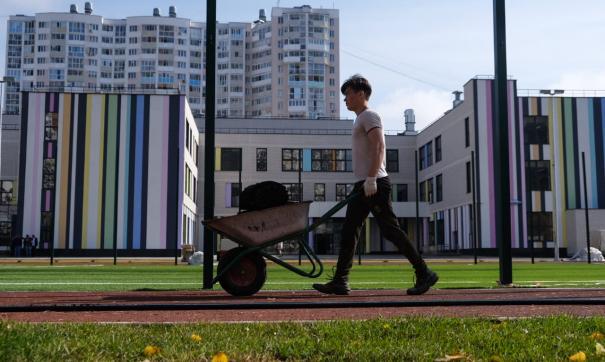 В Екатеринбурге постепенно приближаются к учебе в одну смену