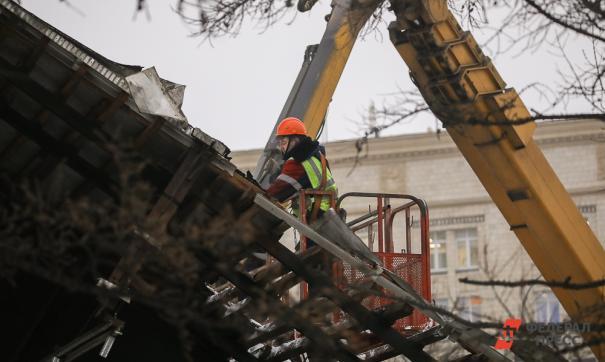 В результате обрушения перекрытий погибло четверо рабочих