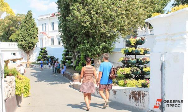 Крым уже посетило 400 тысяч туристов