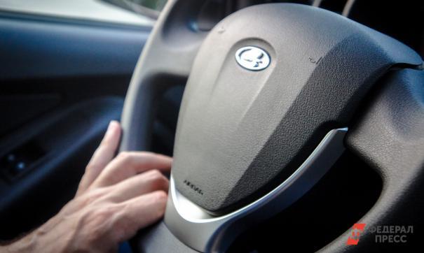 Многие водители забывают включать фары в темное время суток