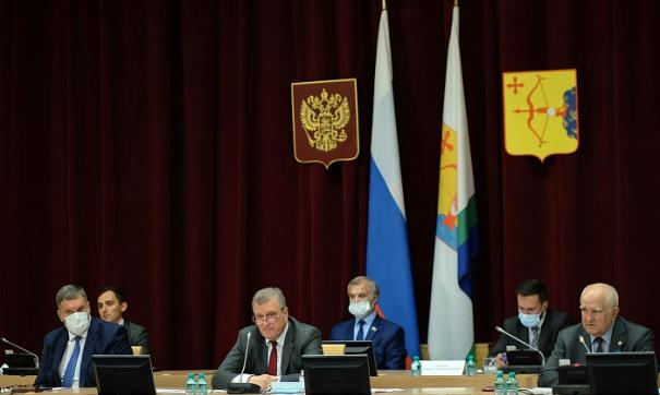 Губернатор Кировской области выступил перед законодательным собранием