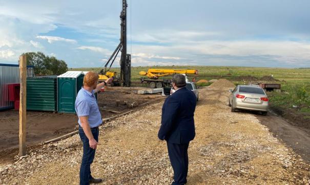 Министр транспорта Павел Саватеев проверил строительство дороги