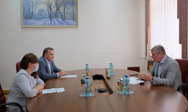 Игорь Васильев обсудил с руководителем МФЦ режим работы центров