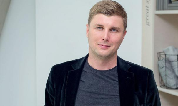 Рустам Гильфанов является IT-бизнесменом и международным инвестором в сфере геймдева