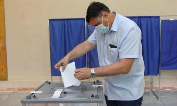 Мэр Иркутска вместе с семьей принял участие в голосовании