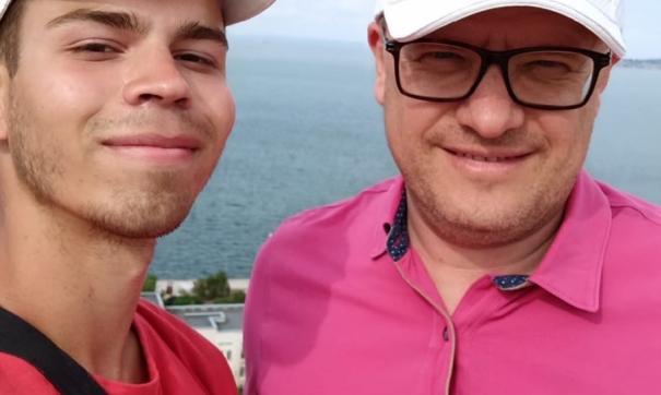 Евгений сфотографировался с губернатором и рассказал о своих планах