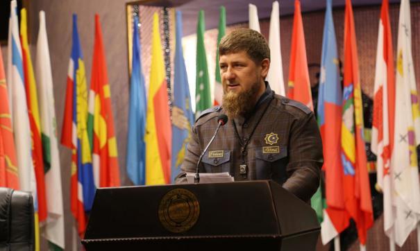 Президент лично зачитал указ чеченскому лидеру по телефону