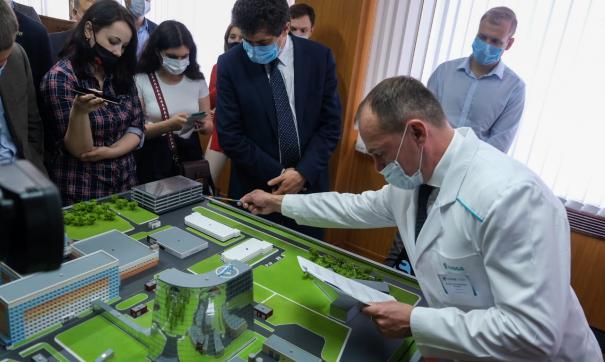 В Екатеринбурге представили проект развития областного онкологического центра