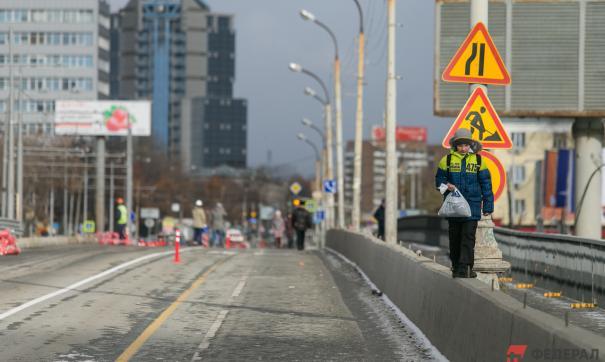 Реконструкция Макаровского моста в Екатеринбурге закончится к 300-летию города