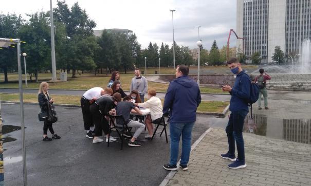 Оппозиционеры собирают подписи за прямые выборы мэров