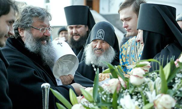 Прещения наложены на двух иеромонахов и священника