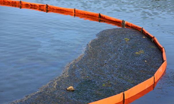 Река в Сургуте вновь загрязнена нефтепродуктами