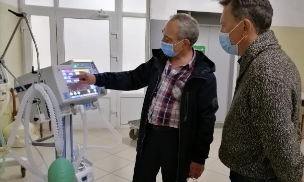 Свердловские больницы оснастили аппаратами ИВЛ