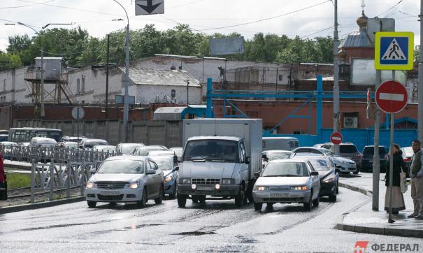 В Екатеринбурге в ближайшее время разыграют аукцион на строительство развязки у Калины