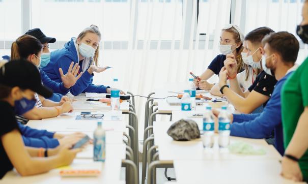 В Приморье у волонтера на форуме «Восток» выявили коронавирус