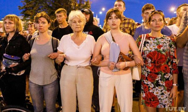 СК Белоруссии проверяет сведения об изнасиловании женщин силовиками