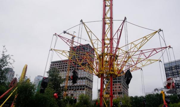 В екатеринбургском парке Маяковского начали работать 10 аттракционов