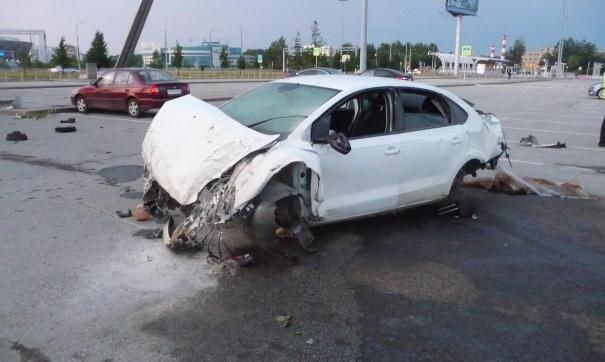 Таксист, устроивший аварию в екатеринбургском Кольцове, перевозил пассажира на личном авто
