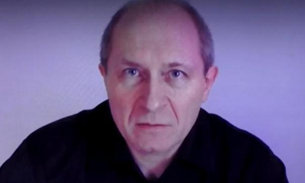 Юрий Чекин в видеообращении к Владимиру Путину в 2018 году заявил, что непричастен к убийству